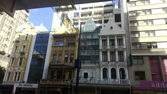Adderley Hotel : the front of the hotel is a combination of these fronts