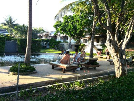 Muang Kulaypan Hotel: Вид на бассейн