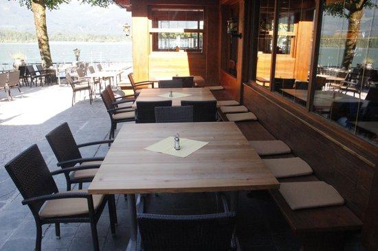 Seebockenhotel Zum Weissen Hirschen: gemütlicher Gastgarten