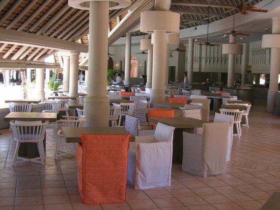 LUX* Belle Mare : Le restaurant Le Kitchen avec son nouveau mobilier