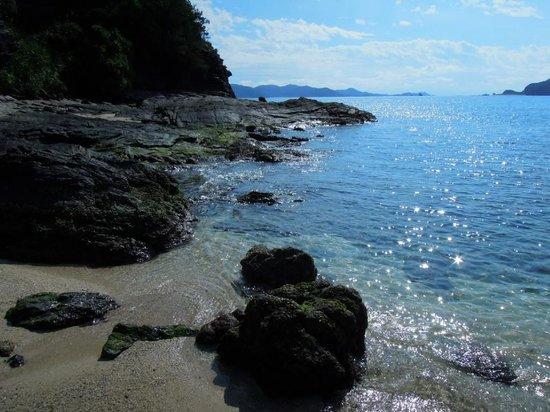 Zamami Island: 古座間味ビーチ左奥