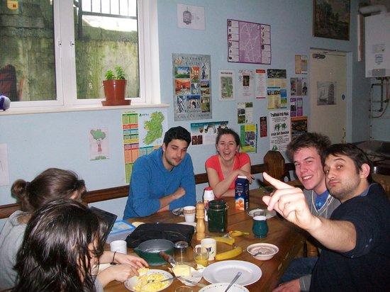 MacGabhainns Backpacker Hostel: Kitchen