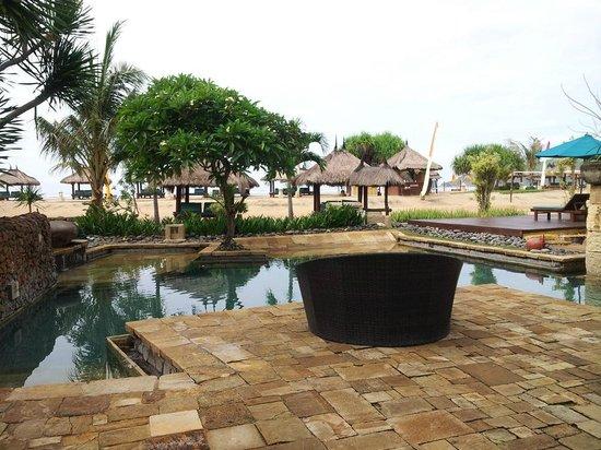 Novotel Lombok: lower pool