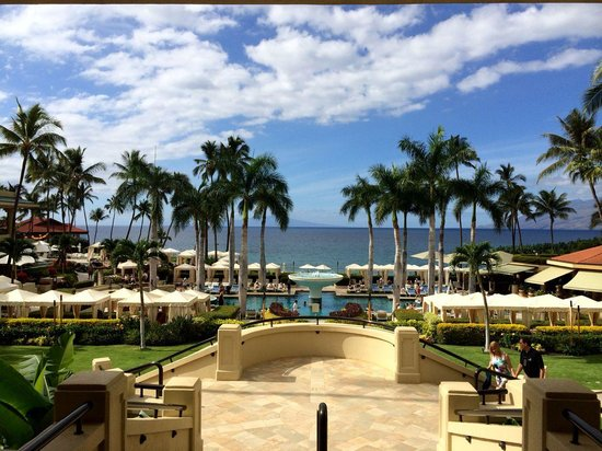 Four Seasons Resort Maui at Wailea : View towards pool