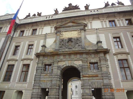 Château de Prague : Portal de entrada