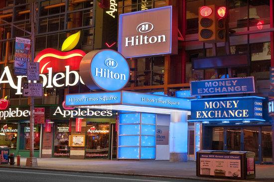 Hilton Times Square: Exterior Front