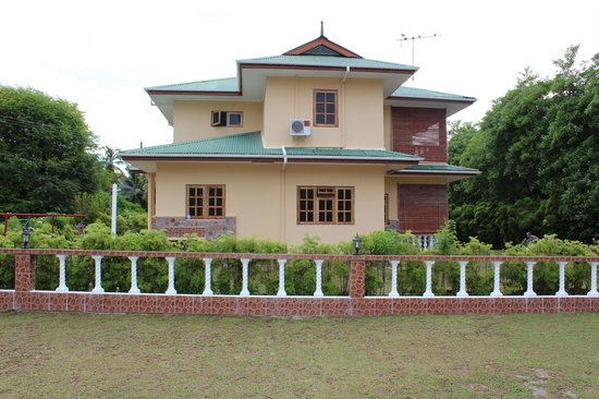 Villa Cocotier: отель снаружи