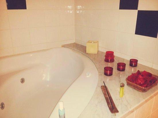 RV Hotel Palau Lo Mirador: Baño de la habitación