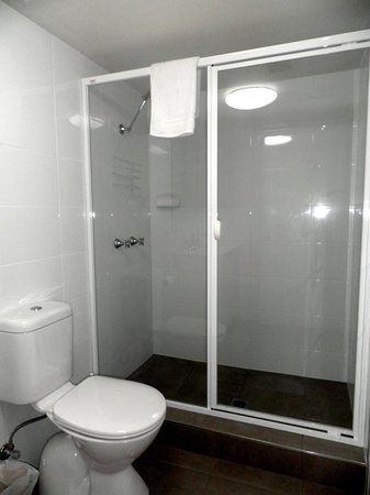 Pelican Cove Apartments: Bathroom # 2