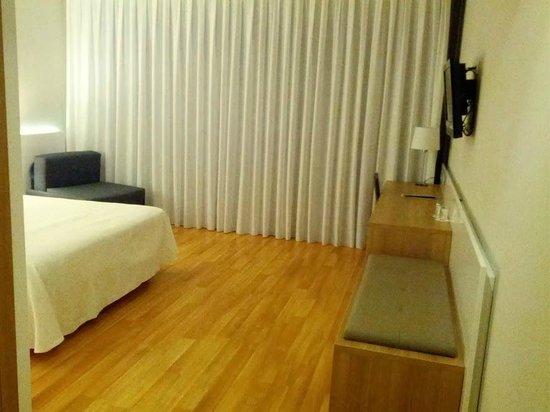 RH Bayren Hotel & Spa: Ventanal de acceso a la terraza