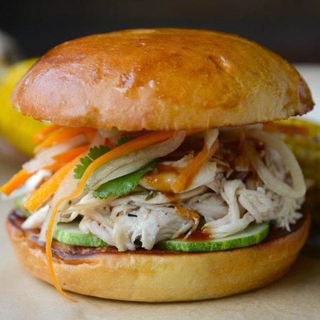 Fielding's Wood Grill: Bun Mi Alternate Burger