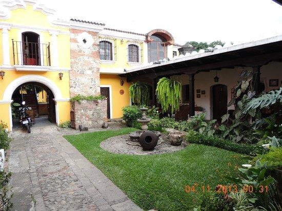Hotel Posada San Pedro: Posada San Pedro, Antigua, Guatemala - patio