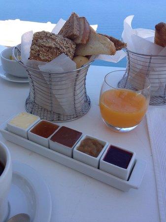 Sun Rocks Hotel : 朝食についてるパンとジャム