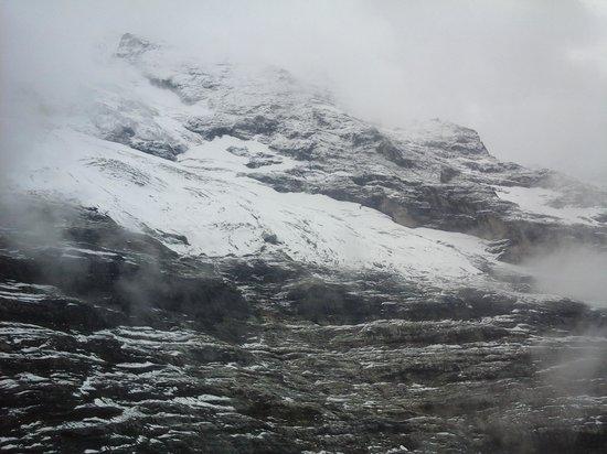 ibis Luzern Kriens: Snowy mountain peak.
