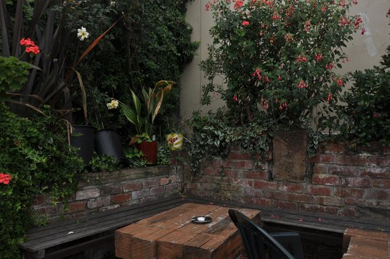 PortHole Bar: outside Garden at the Porthole