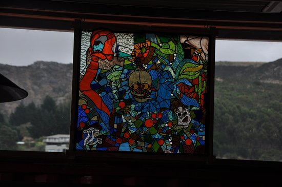 PortHole Bar: Stunning stained glass window at the Porthole