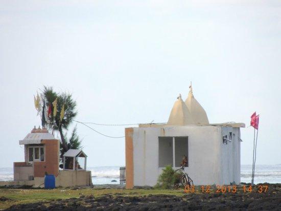 Emeraude Beach Attitude : temple à côté de la plage privé de l'hôtel