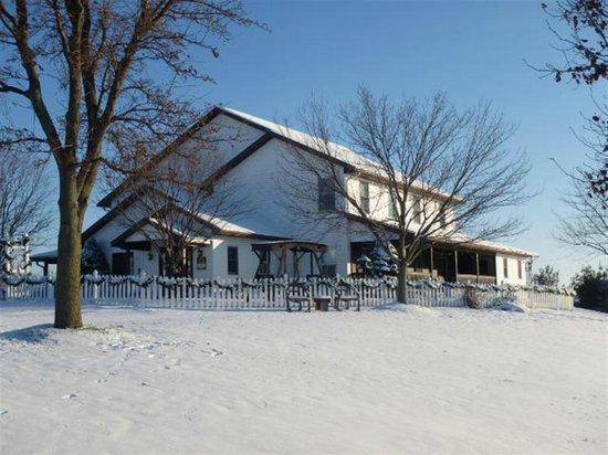 Miller Haus Bed and Breakfast: Winter