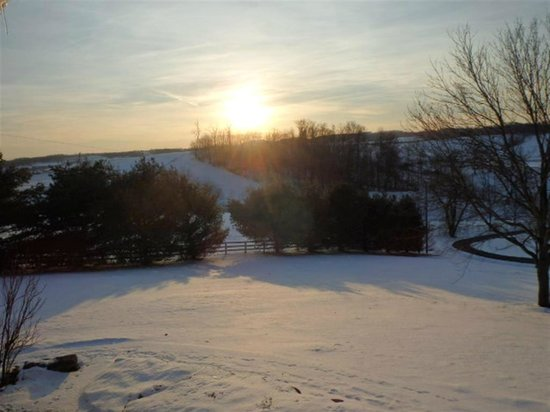 Miller Haus Bed and Breakfast: Winter Sunrise