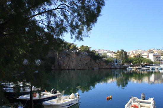 Mirabello Beach & Village Hotel : Вид на озеро