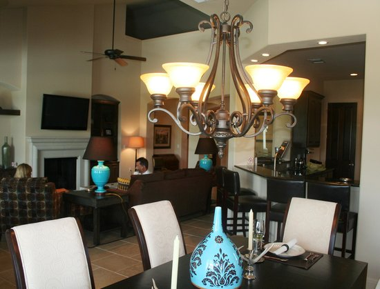Lakeway Resort and Spa: Dining Room