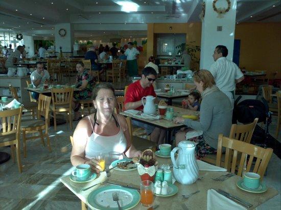 Park Royal Cancun: cafe da manhã.