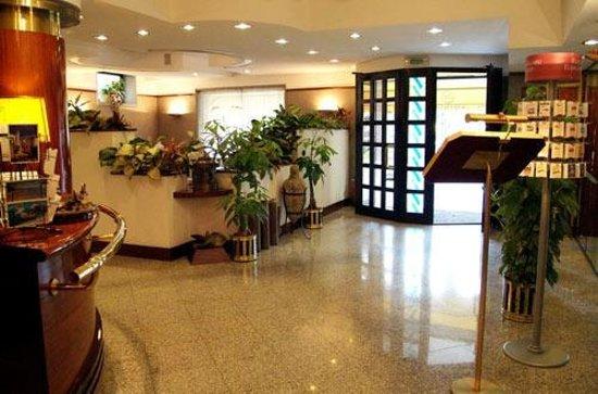 Hotel Crystal: Hall
