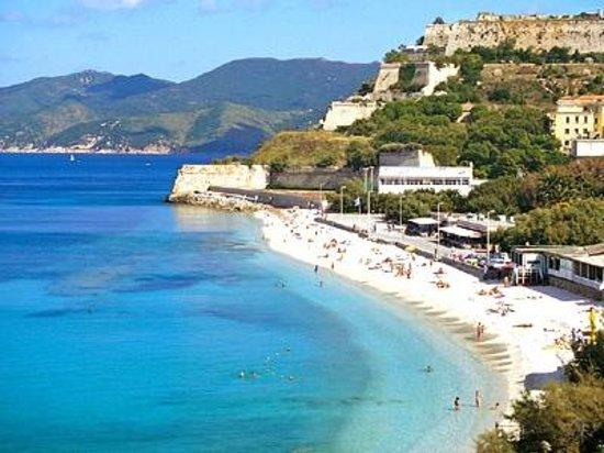 Hotel Crystal: La spiaggia delle Ghiaie