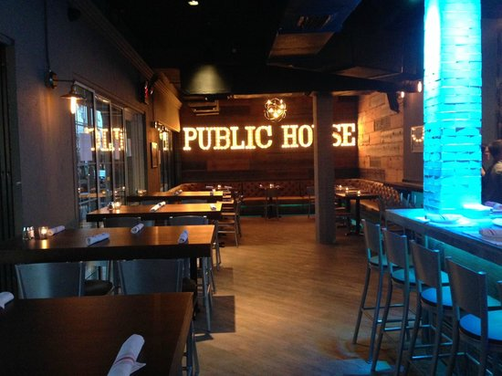 Photo of American Restaurant Himmareshee Public House at 201 Sw 2nd St, Fort Lauderdale, FL 33301, United States