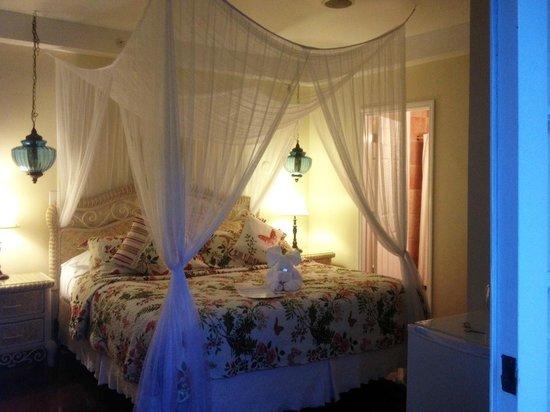 Duval Gardens: Notre chambre (#16)