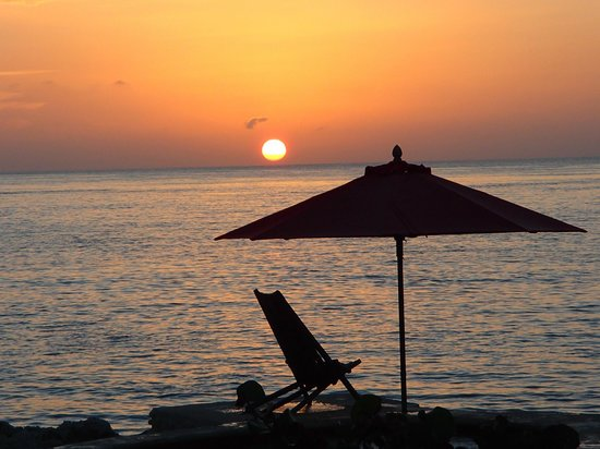 Hotel B Cozumel: Sunset by the spa
