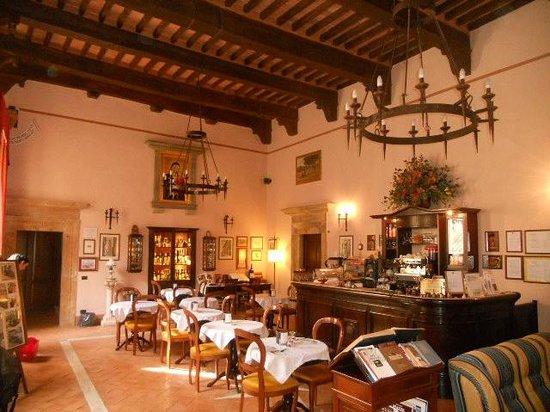 Meuble il Riccio: Interior Reception / Breakfast Room