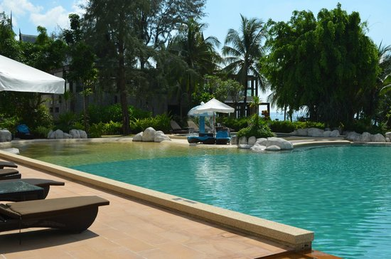 Natai Beach Resort & Spa, Phang-nga : la piscina