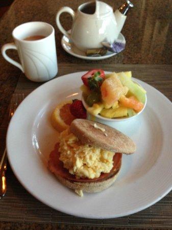 Sheraton La Jolla Hotel : Breakfast