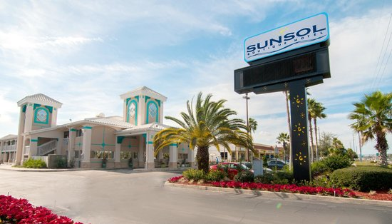 SUNSOL Boutique: Hotel entrance