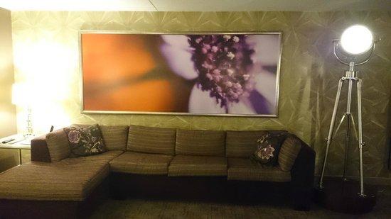 MGM Grand Hotel and Casino: Sofa