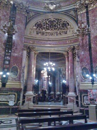 Santuario Basilica La Consolata: Sfarzo, ma eleganza sobria