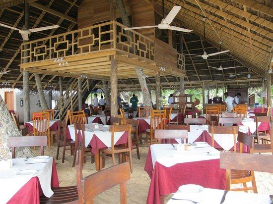 Paradise Beach Club: Open restaurant