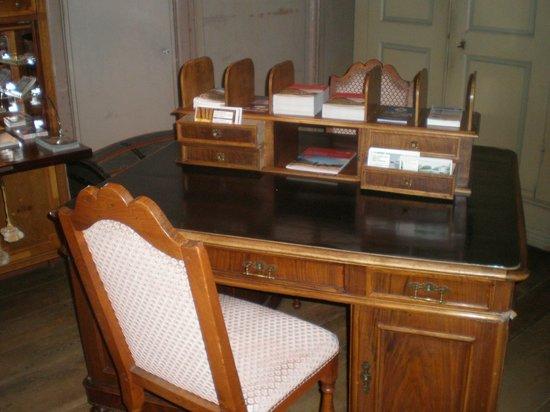 Hotel Albrici: Antikes Büro