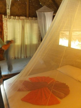 Pasai Cottages: inside the bungalow
