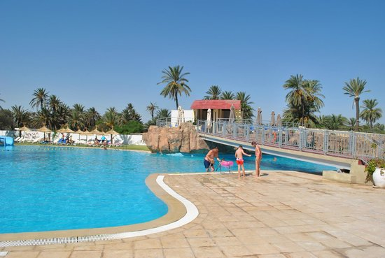 SunConnect One Resort Monastir : piscine toboggan 2 suite