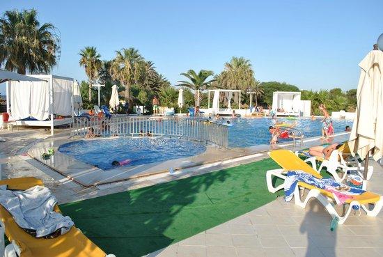 SunConnect One Resort Monastir : 3eme piscine toujours du coté de l'hotel