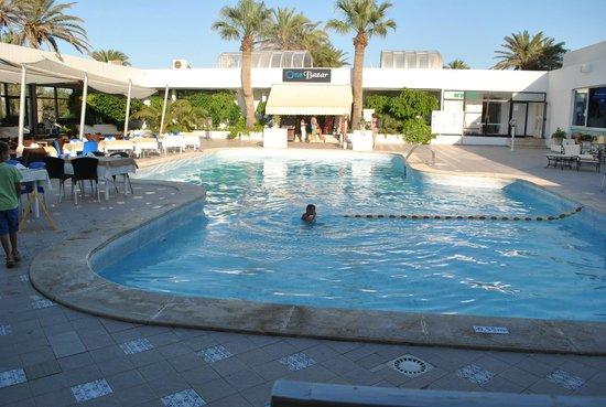 SunConnect One Resort Monastir : seconde piscine du coté de l'hotel