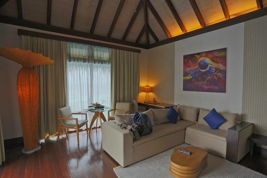 Coco Bodu Hithi: the living room