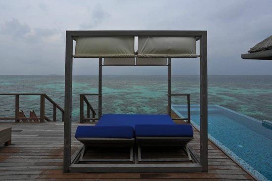 Coco Bodu Hithi: the day bed