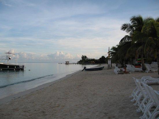 Henry Morgan Resort: spiaggia