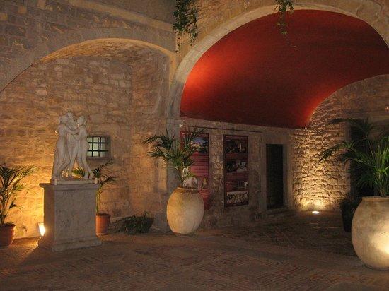 RV Hotel Palau Lo Mirador: Le Patio de l'Hôtel
