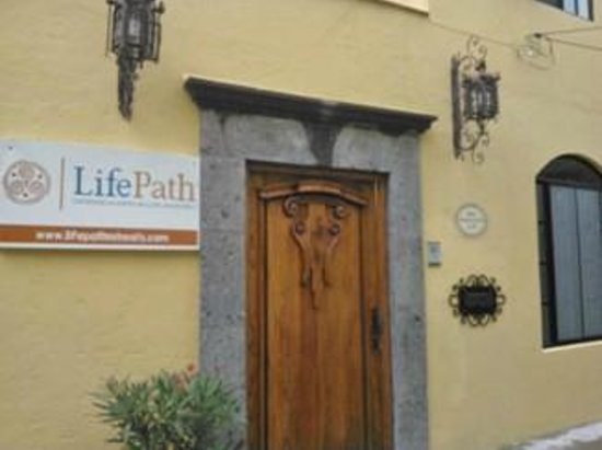 LifePath Center : Another view of our front entrance.