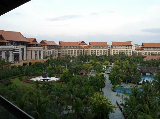 Renaissance Sanya Resort & Spa: Standing in the balcony.