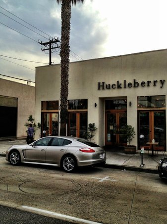 Huckleberry Cafe & Bakery : 1014 Wilshire is the address